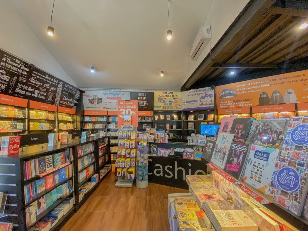 Tamora Gallery Books & Beyond Bookstore Gifts Toys Shopping